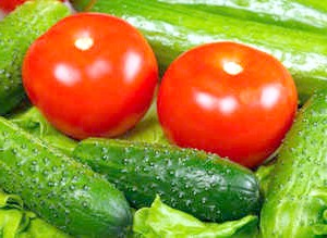 Фото - Огірки та помідори