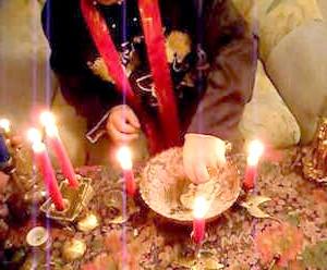 Фото - Обряд з п'ятьма червоними свічками