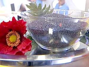 Фото - Макові насіння в мисці